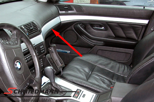 Matchrom moulding R.-side over the glove compartment