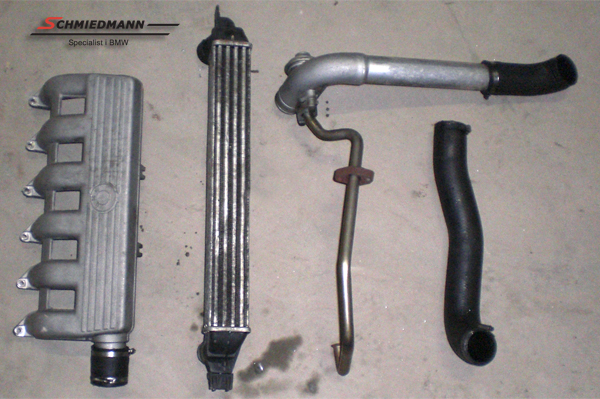 C17618  Intercooler kit with mounting parts
