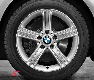 """17"""" Sternspeiche 393 7,5X17 ET37 fälg (original BMW) med 225/50/17 94H Bridgestone Blizzak LM-32 RFT, DOT3513-4113"""