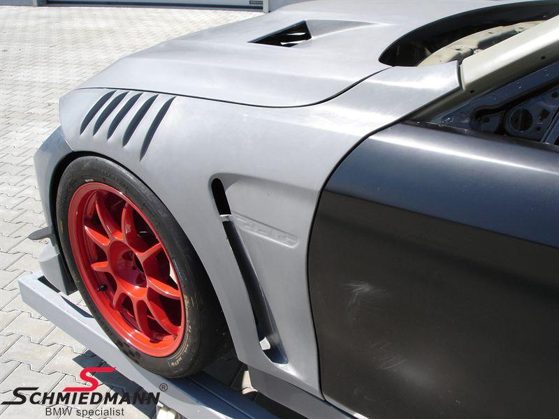 """Motorhuv  -GTR- med dubbel ventilering och """"powerdome""""  äkta kolfiber, original Flossmann Germany"""