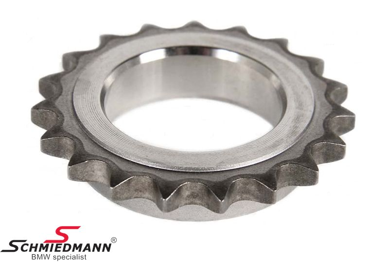 Timing chain sprocket on crankshaft