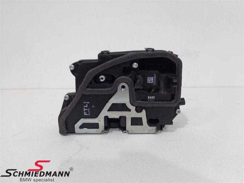 Actuator inclusive locking mechanism central locking frontdoor left side