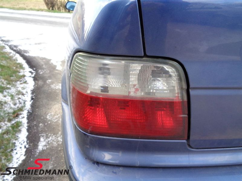 Taillights red/white in facelift design