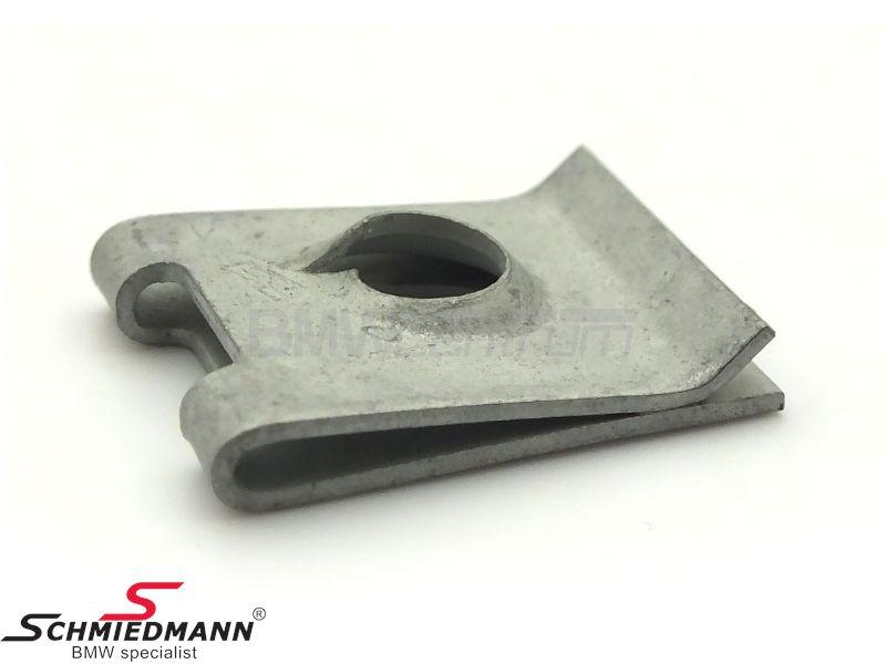 Nut sheetmetal ST6,3-9