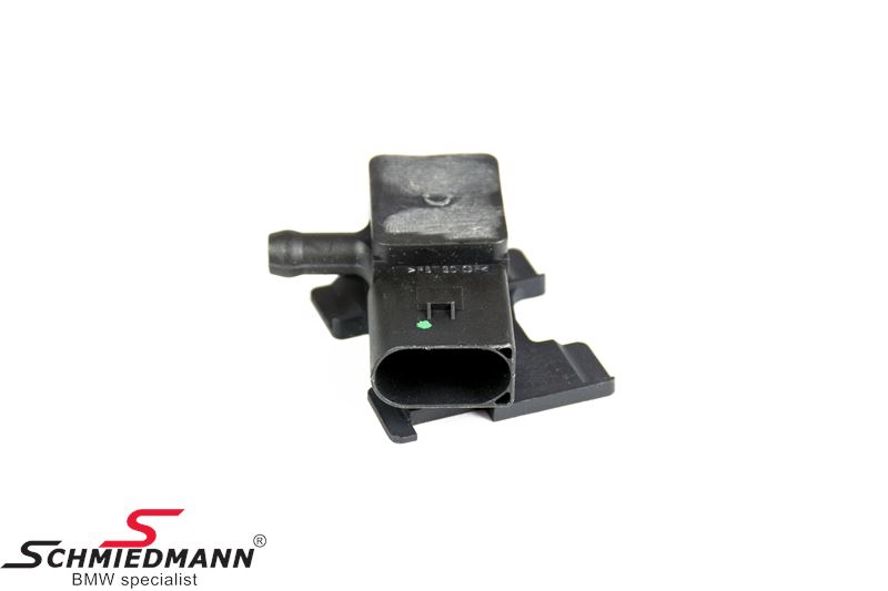 Pressure sensor particulate filter