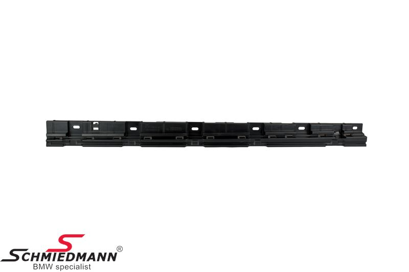 Mount strip for rocker panel L.-side front