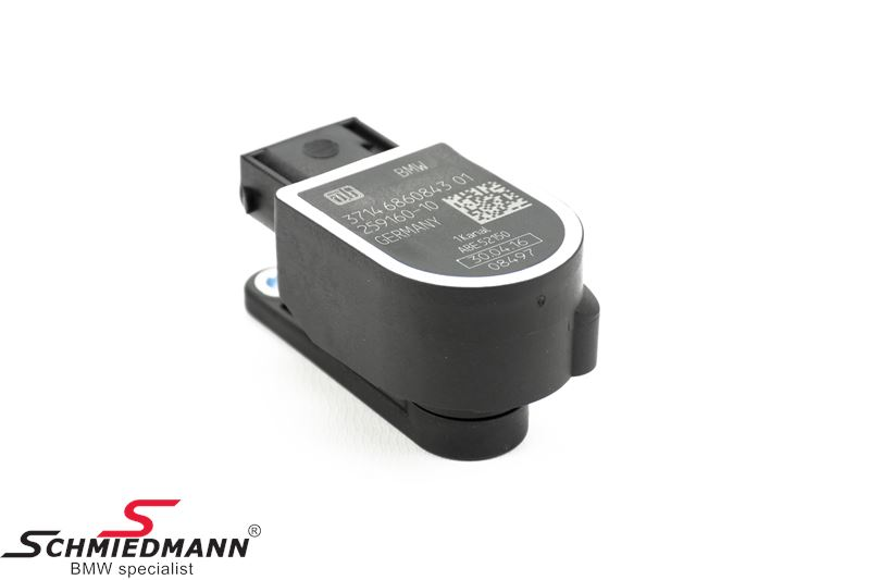 Level sensor for automatic adjustment of xenon light
