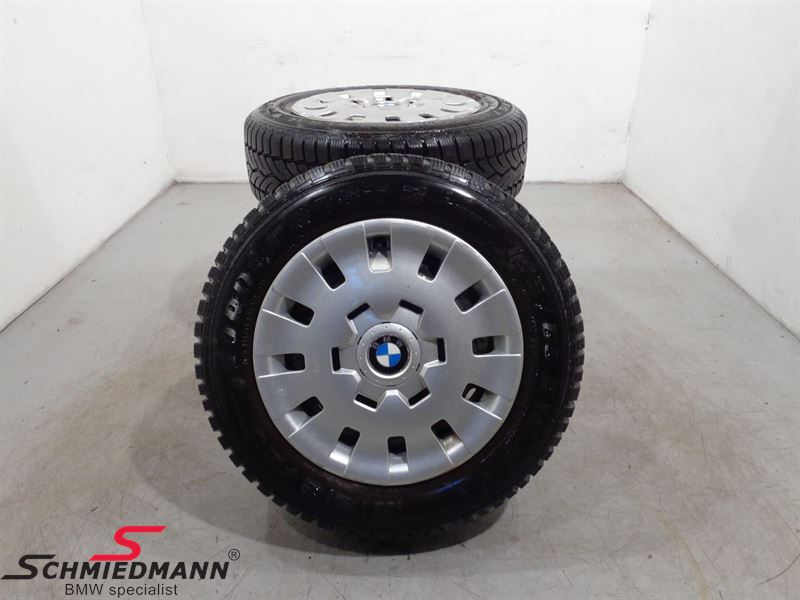 "15"" wheels with winthertyres with wheelcovers"