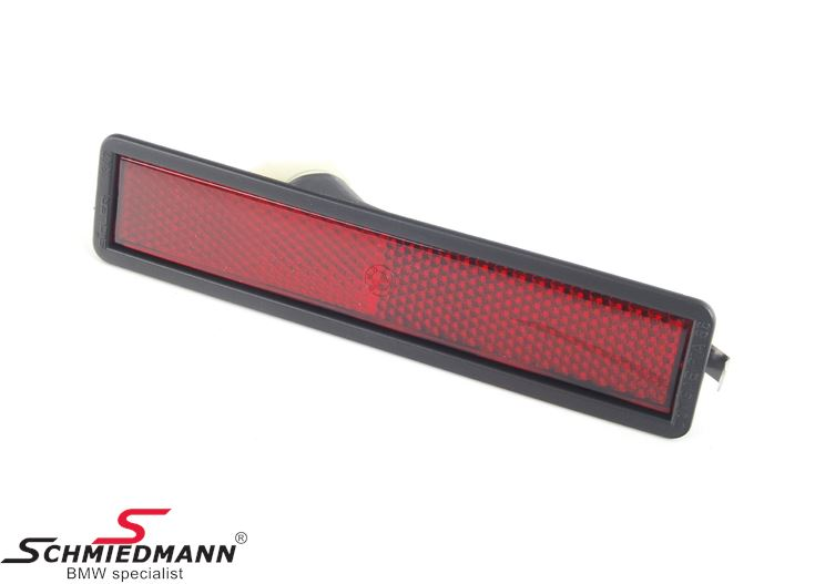 Side marker light on rear bumper