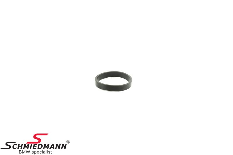 O-ring for coolant water pipe on cylinder head