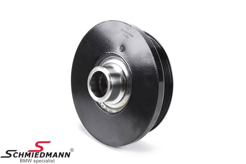 Belt pulley on the crankshaft for the V-belt