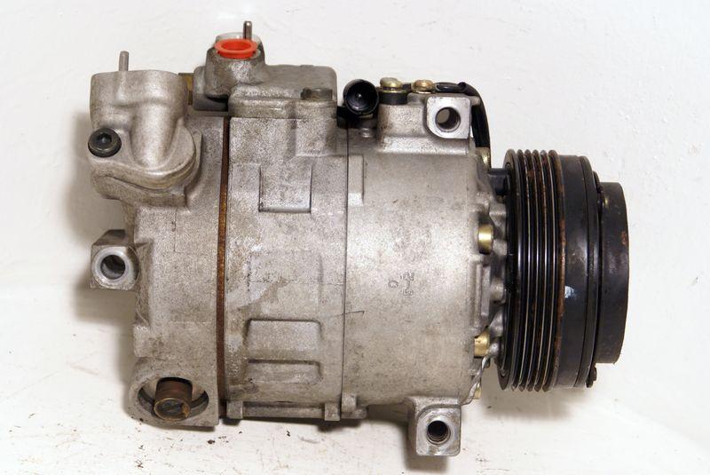 B64528385921  Ilmastoinnin kompressori