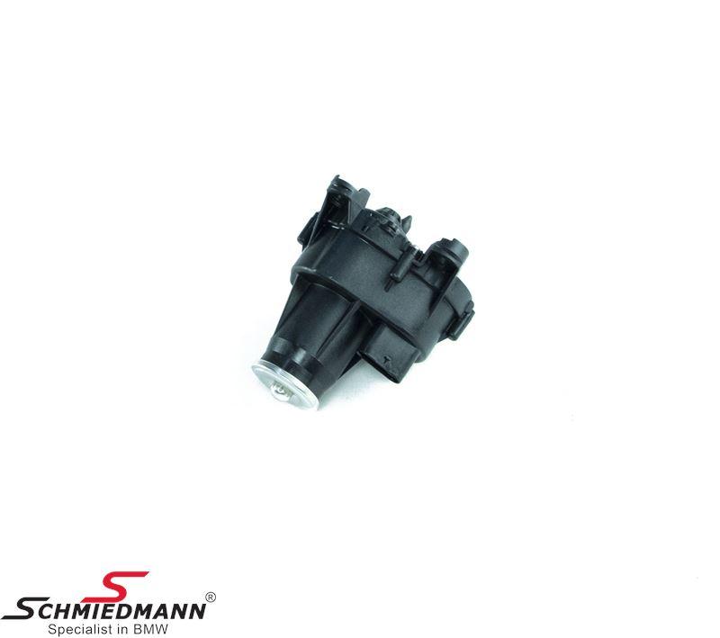 Adjuster unit for intake manifold