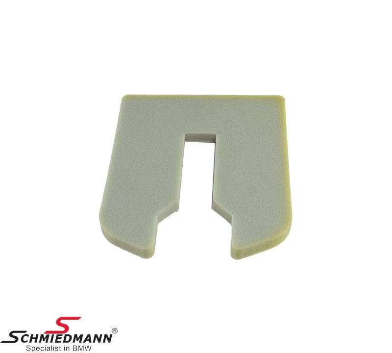 Sound absorber on tailgate against toolbox