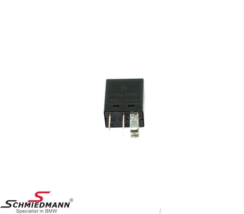 Relay black 5-pin