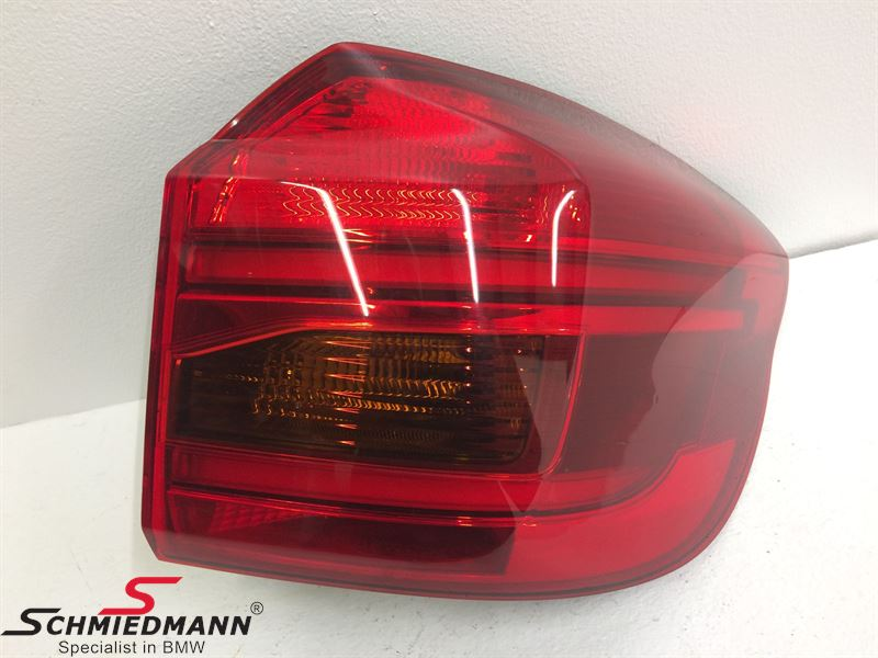 Taillight outer part on the rear fender R.-side