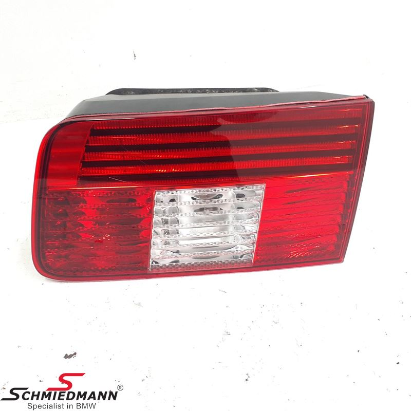 Taillight in trunk lid right