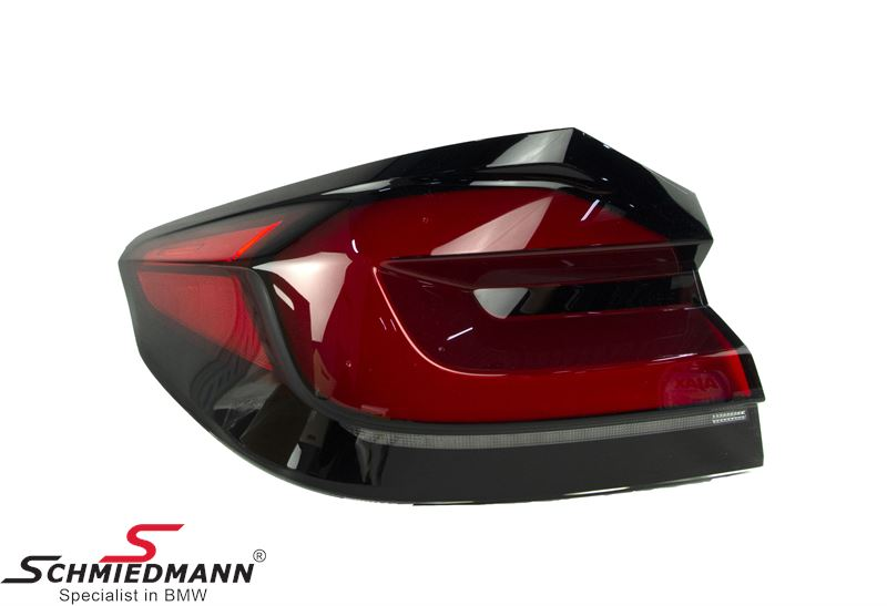 Taillight LCI outer part on the rear fender L.-side