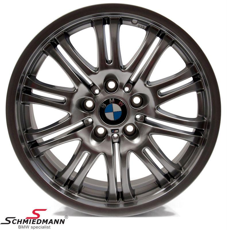 "BMW 36112229960 36112229960 36 11 2 229 960 / 36-11-2-229-960 36112229960 36 11 2 229 960  18"" M3 M-Doppelspeiche 67 fælge 9X18 chromshadow (original BMW) (passer kun bag)"