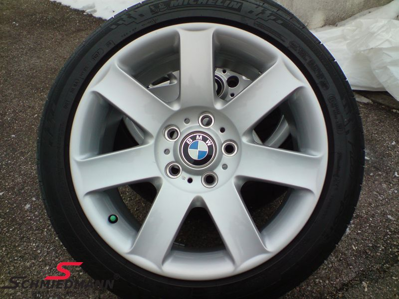 "17"" Sternspeiche 44 rim 8X17 rim (original BMW) with 225/45/17 Falken Ziex ZE-912 summer tyres with W-mark up to 270KMH"
