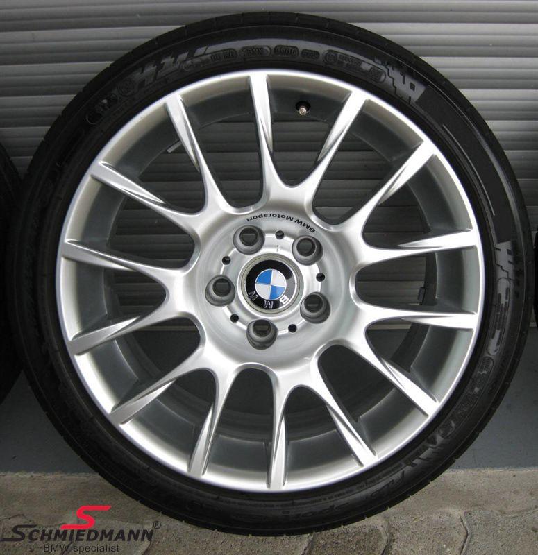 """18"""" Radialspeiche 216 original BMW fälgar med 225/40/18 Nankang Snow SV2 vinterdäck"""