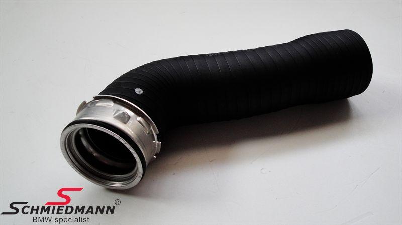 Turbócső - szívósor és az intercooler között lévő alsó cső
