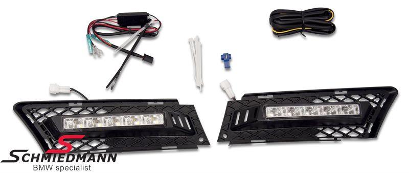 LED Tagesfahrlicht Nachrüstsatz inklusive schwarze Nebelscheinwerfer Abdeckungen