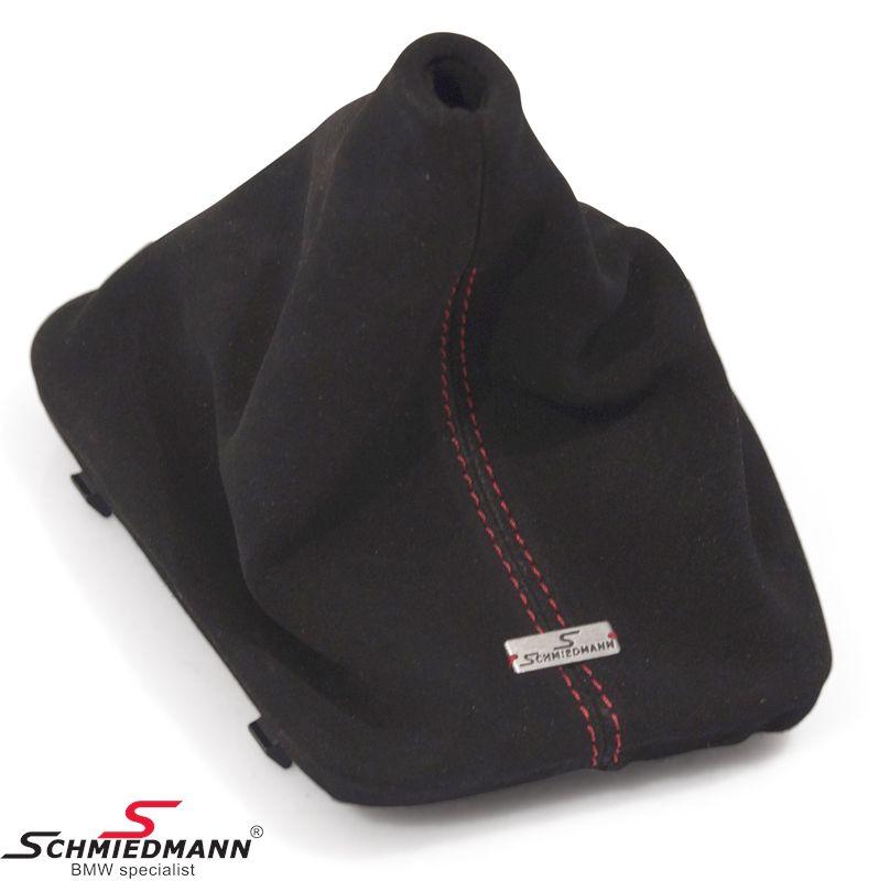 Schmiedmann Schaltmanchette -EVO- schwarz, handgenähtes echtes Wildleder mit roten Nähten, bestückt mit ein schönes Edelstahl Emblem