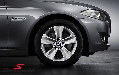 """17"""" Sternspeiche 327 originale BMW alufælge m.225/55HR17 Goodyear Ultra Grip Performance 2 vinterdæk (ikke Runflat)"""