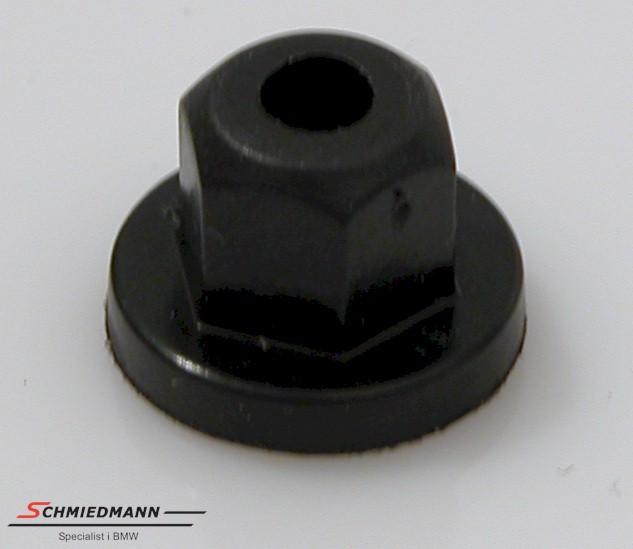 Nut plastic M6