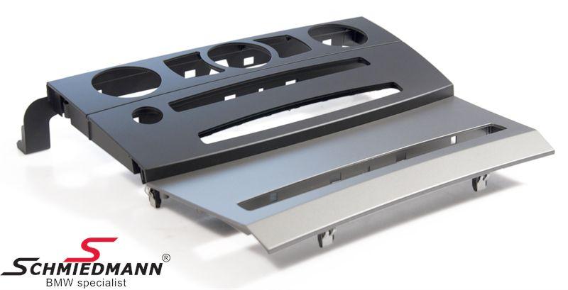 Omslag -CCC- till frontpanelen på instrumentbrädan
