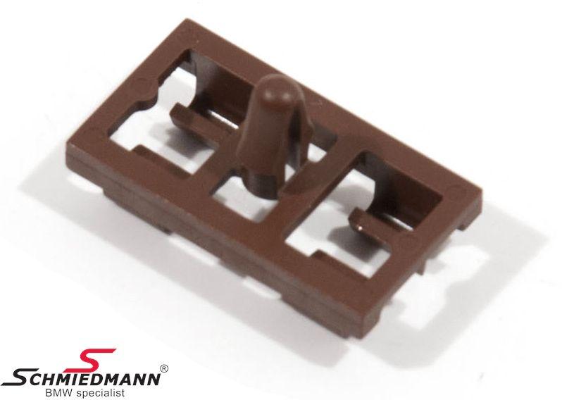 Klips brun, til dørbeklædninger for+bag til gummipakningen i bunden af døren