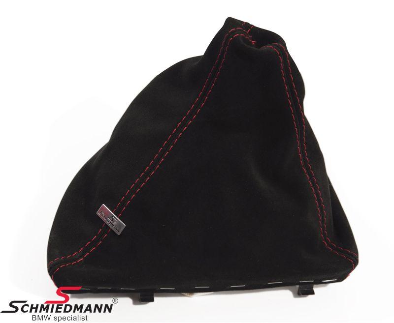 Schmiedmann Schaltmanschette -Sport Edition- schwarz, Handgenähtes- Wildleder mit roten Nähten und einem Edelstahl Emblem
