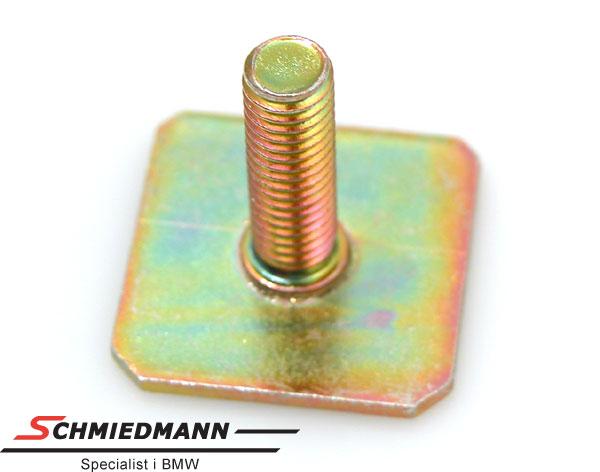 Skrue metall til M-Tech. hekkskjørt
