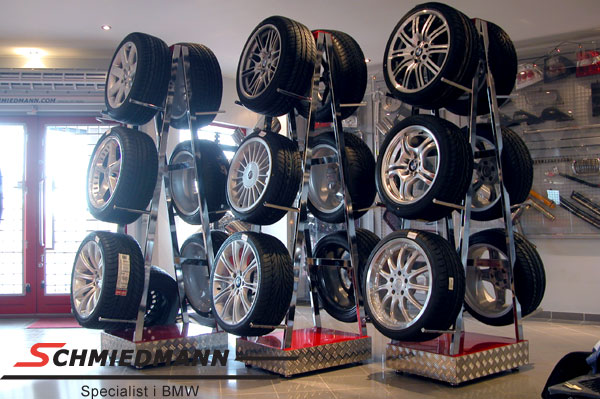 Wheel exhibition rack fits 6 wheels with tyres 15-23""