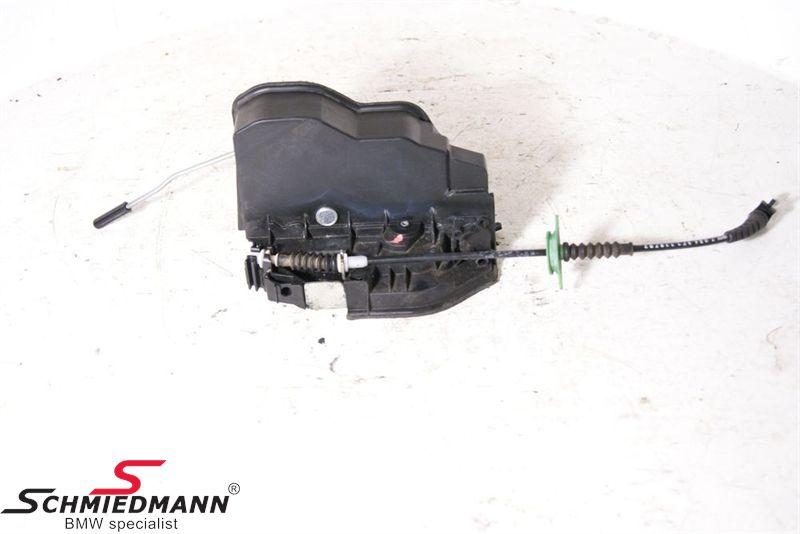 Actuator inclusive locking mechanism central locking reardoor left side