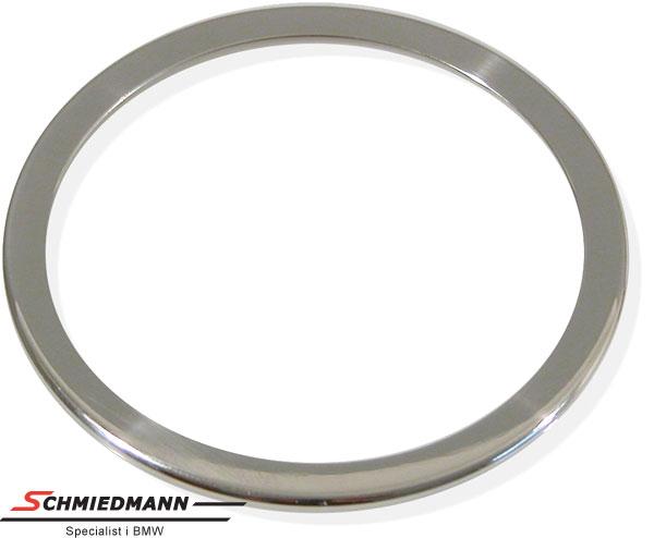 Kromramme omkring højtalere i fordørene diameter 84MM