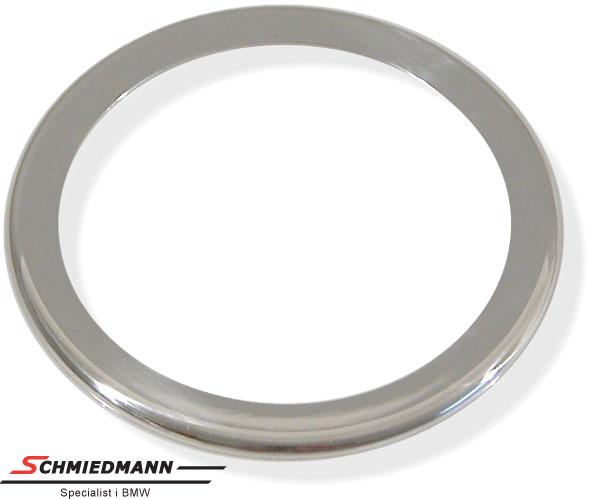 Kromramme omkring højtalere i fordørene diameter 62MM
