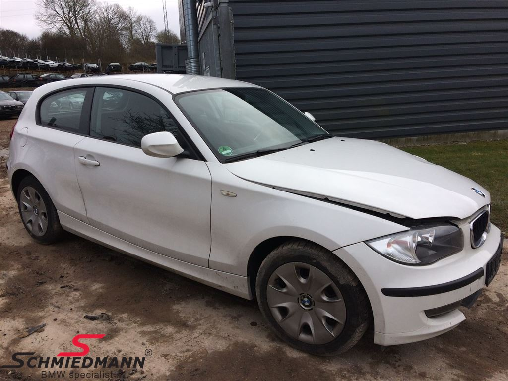 Bil til ophug - BMW E81 5 dørs - side 1